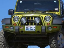 ARB Deluxe Front Bumper Bull Bar - Jeep JK Wranger and Unlimited 2007+